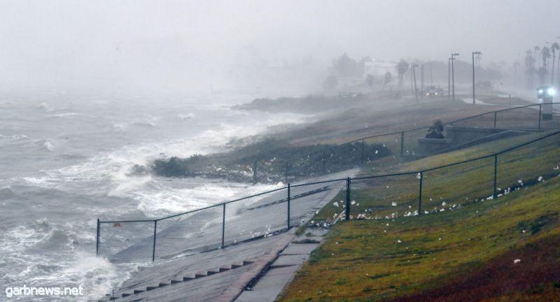 الإعصار مايكل يزداد قوة ويتحول إلى إعصار من الفئة الثالثة