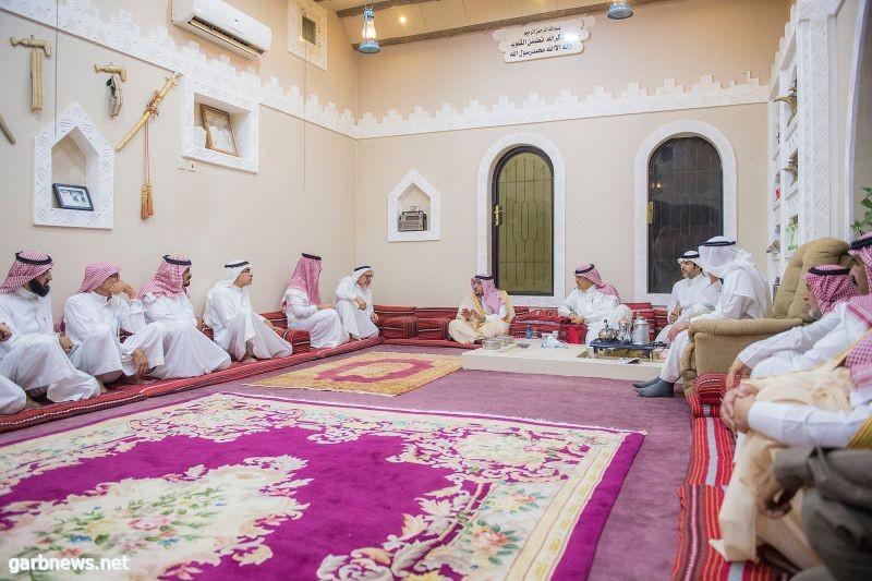 أمير القصيم يشارك أسرة السليم في عزاء مساعد السليم رحمه الله