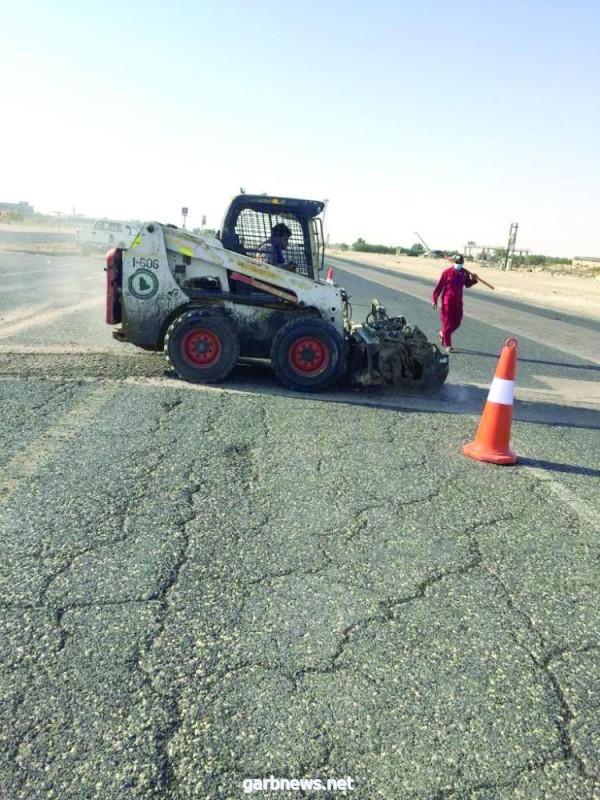 وزارة النقل والخدمات اللوجستية تواصل تنفيذ مشاريع أعمال الصيانة والسلامة على الطرق بالمنطقة الشرقية