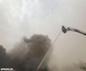 حريق يلتهم مستودع أثات وأجهزة كهربائية بالباحة